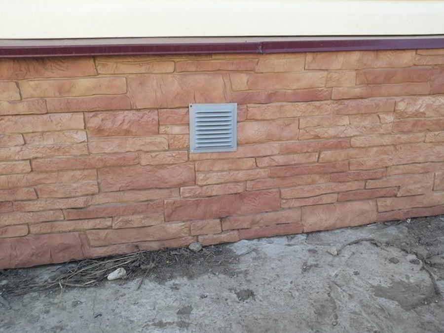 вентиляционное отверстие для вентиляции подпола с решеткой