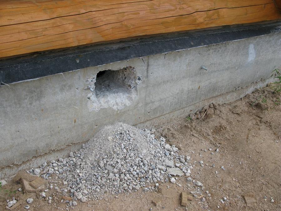 вентиляция подпола через вент. отверстие в фундаменте