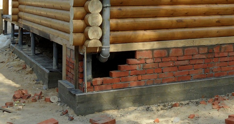 комбинированный ленточно-стоечный фундамент под деревянный дом