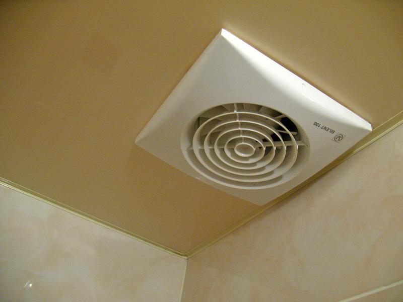 вытяжка при принудительная вентиляция в ванной